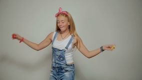 Dansing孩子 行动时尚女孩演播室射击 影视素材