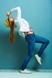 Dansing model czarnooki twarzy seksowna kobieta stylowa mody Zdjęcie Stock