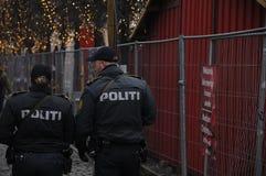 DANSK MARKNAD FÖR JUL FÖR POLISKONTROLL royaltyfria bilder