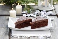 Dansk traditionell jul. Chokladkaka royaltyfria foton