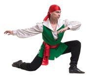 Dansman som bär en piratkopieradräkt Isolerat på den vita oavkortade längden Royaltyfri Fotografi