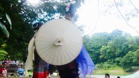 Dansparaplu (ram Thailand) stock footage