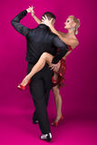 Danspartners i en posera Royaltyfri Fotografi