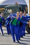 Dansshow på armélekar Tyumen Ryssland Royaltyfria Bilder