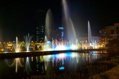 Dansspringbrunnar på Ardagani sjön Batumi georgia Arkivfoton