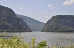 Danube à la gorge de Cazane en Roumanie Photographie stock libre de droits