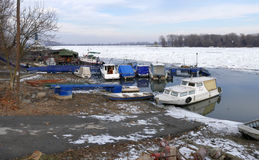 Danube River congelado em Belgrado, Sérvia Imagem de Stock Royalty Free
