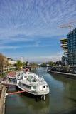 Danube River i Wien Arkivbild