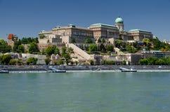Danube River och Buda Castle, Budapest Fotografering för Bildbyråer