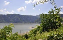 Danube River på den Cazane klyftan, Rumänien Royaltyfri Fotografi