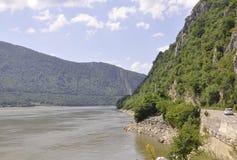 Danube River på den Cazane klyftan, Rumänien Royaltyfria Foton