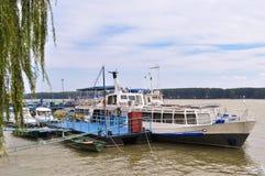 danube ships Arkivbilder