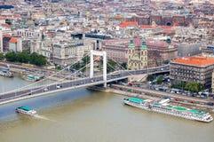 Danubio y Elizabeth Bridge - la Budapest Fotografía de archivo