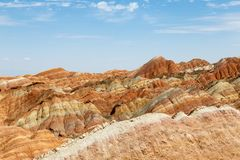 Danxia Feng oder farbige Regenbogen-Berge, in Zhangye, Gansu, China stockfotografie