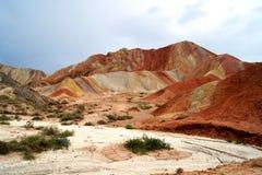 Danxia landform i zhang ye Arkivfoton