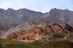 Danxia parkerar nationellt geologiskt på Zhangye, Kina fotografering för bildbyråer