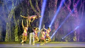 Danza acrobática Fotografía de archivo libre de regalías