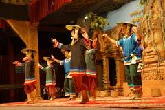 Danza camboyana tradicional de la cesta Foto de archivo libre de regalías