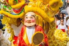 Danza china del dragón en la ciudad de Bangkok China en festival vegetariano Imágenes de archivo libres de regalías