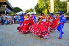Danza colorida de la calle Fotografía de archivo