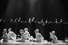 Danza con un ` de la danza del ` s de máscara-Huang Mingliang ningún ` del refugio imágenes de archivo libres de regalías
