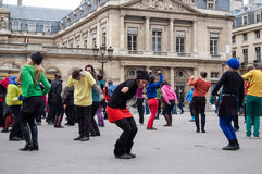 Danza de destello de la multitud en París Fotografía de archivo