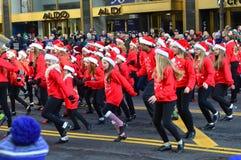 Danza de golpecito americana en desfile de la acción de gracias Fotografía de archivo