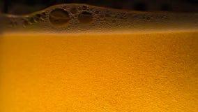Danza de las burbujas de la cerveza almacen de video