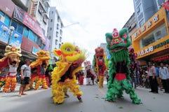 Danza de león china Imágenes de archivo libres de regalías