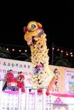 Danza de león con el tambor de China Fotografía de archivo
