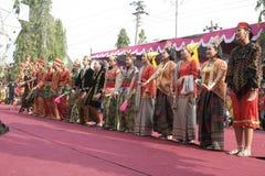 Danza de los centenares efectuada en Sukoharjo foto de archivo libre de regalías