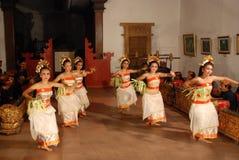 Danza de Pendet Imagen de archivo