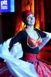 Danza del Este hermosa danza egipcia nacional Tanura Imagenes de archivo