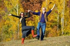 Danza del otoño en un prado Imágenes de archivo libres de regalías