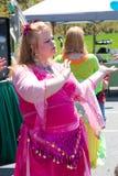 Danza del ventre della donna Fotografie Stock Libere da Diritti