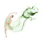 Danza en el movimiento con la tela del vuelo foto de archivo