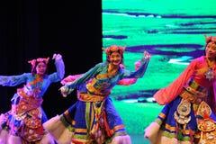  danza-grande agradable del show†de los escenarios de la escala del tibetano el  del legend†del camino Imagen de archivo