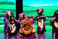  danza-grande del show†de los escenarios de la escala de los yacs de la meseta el  del legend†del camino Imagen de archivo libre de regalías