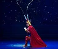 Danza popolare bella di Re-cinese della scimmia Fotografie Stock