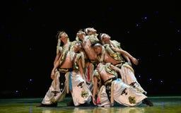 Danza popolare del cittadino di leggenda- del montagna-lupo dell'uomo Fotografia Stock