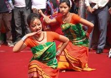 Danza popolare dell'Assam, India fotografie stock