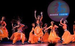 Danza popular: Carnaval de la muchacha de Mongolia Imágenes de archivo libres de regalías