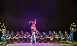 Danza popular Casamentero-Tórtola-china imagen de archivo libre de regalías