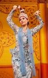 Danza popular de Myanmar Imágenes de archivo libres de regalías