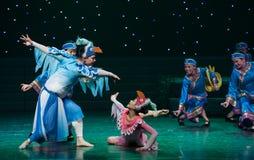 Danza popular duende-Tórtola-china del pájaro imágenes de archivo libres de regalías