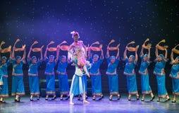 Danza popular Tórtola-china imagenes de archivo