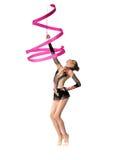 Danza profesional joven del gimnasta con la cinta Imágenes de archivo libres de regalías