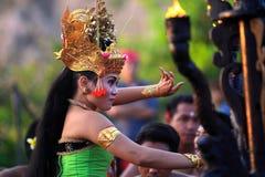 Danza tradicional del Balinese Imagenes de archivo