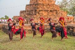 Danza tradicional del noreste tailandesa Fotos de archivo