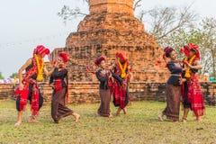Danza tradicional del noreste tailandesa Imagen de archivo libre de regalías